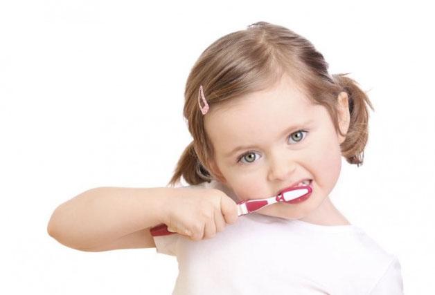 چگونگی مراقبت از دندان کودکان